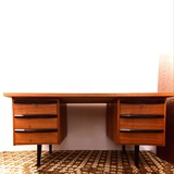 WRITING DESK IN TEAK FROM THE 1960'S